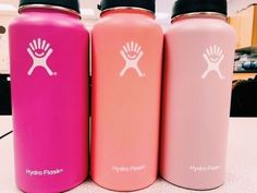☆ I want all three of these colors of these hydro flask bottles for christmas this year and a few other kinds of drink bottles for christmas from Santa and my family this year 2019 Hydro Flask Water Bottle, Pink Hydro Flask, Hydro Flask Colors, Cute Water Bottles, Drink Bottles, School Water Bottles, Pink Water Bottle, Things I Want, Little Things