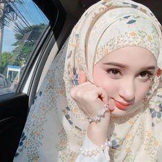 Beautiful Hijab Girl, Beautiful Muslim Women, Beautiful Girl Image, Iranian Beauty, Muslim Beauty, Hijabi Girl, Girl Hijab, Hijab Outfit, Beauty Full Girl