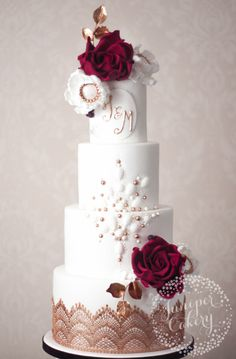 The Easiest Way to Add Monograms to Cakes