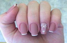 Discover the 10 most popular nail polish colors of all time! - My Nails Essie Nail Polish Colors, Nail Colors, 3d Nail Art, Nail Arts, Hair And Nails, My Nails, Texturizer On Natural Hair, Gel Nail Designs, Nail Tutorials