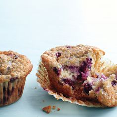 The blackberries and oat bran make this a fiber-rich snack.