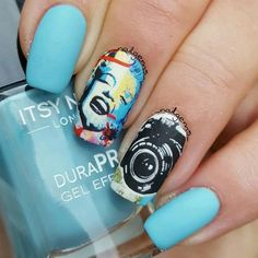 Decorate your nails in minutes with these fabulous nail art wraps featuring the amazing Marilyn Monroe.