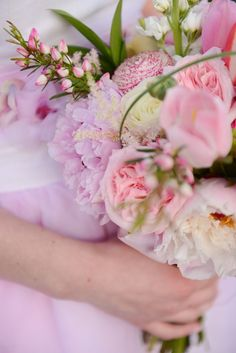 Pink bridal bouquet | Anna Gleave Photography | see more on: http://burnettsboards.com/2014/05/pink-ombre-wedding-whimsical-details/ #pink #bouquet