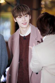 181119 - Entertainment Weekly - Guerilla Date Nu Est Minhyun, Produce 101 Season 2, Kim Jaehwan, Entertainment Weekly, Guerrilla, 3 In One, Jonghyun, Kpop Boy, Jinyoung