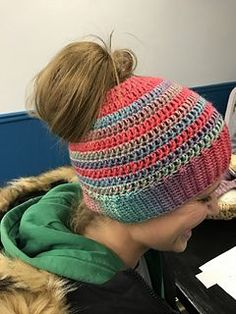The Best Free Crochet Ponytail Hat Patterns (aka Messy Bun Beanies) – This Season's Fave Gift! - The Best Free Crochet Ponytail Hat Patterns (aka Messy Bun Beanies) – This Season's Fave Gift! Sombrero A Crochet, Crochet Beanie, Crochet Hats, Crochet Accessories, Crochet Scarves, Messy Bun, Messy Hair, Free Crochet, Hat Patterns