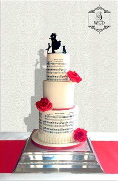 Wedding cake  pivoine en sucre et silhouette en sucre cru  #mariage #weddingcake #cakedesign #angers #loirevalley #gateaudemariage #sugarflower #pivoine