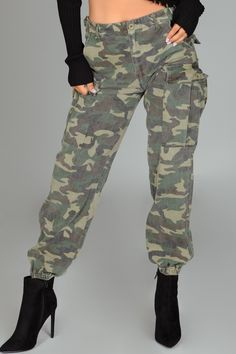 Camouflage Cargo Pants, Camo Pants, Dance Outfits, Fall Outfits, Camo Fashion, Dream Closets, Woman Clothing, Olive Green, Military Jacket