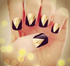 Black & Gold Claw Nail Wraps