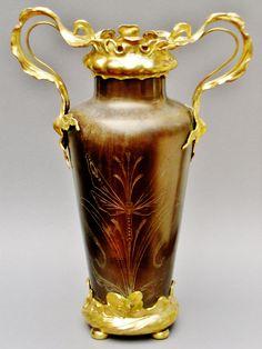 Large Floor Vase (Brass/Copper) in floral Art Nouveau Style