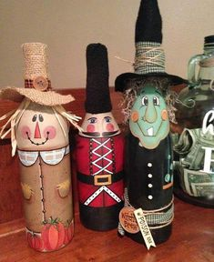 Scarecrow decor, painted wine bottle, scarecrow wine bottle, Fall decor, hand painted decor - New Deko Sites Wine Bottle Design, Wine Bottle Art, Painted Wine Bottles, Decorative Wine Bottles, Decorated Bottles, Scarecrow Crafts, Halloween Crafts, Halloween Party, Scarecrows