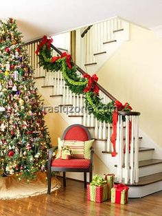 Beautiful-Christmas-Stair-
