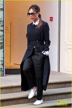 victoria-beckham-admits-she-can-not-wear-heels-07.jpg 817×1,222 pixels