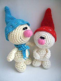 download a FREE pattern every day. ~ Sweet Snowmen! |  Crochet Stash .Tumblr .Com