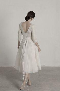 Cet ensemble rehaussé de dentelle pour ressembler à une ballerine : | 36 robes de mariée deux-pièces chic et originales