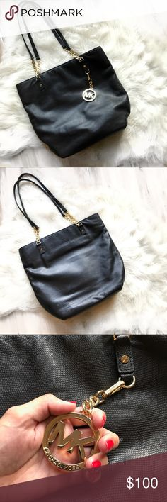 Michael kors black tote bag Authentic. Used once and in perfect condition. Michael Kors Bags Totes