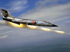 A plane is shooting missiles. Military Jets, Military Aircraft, Air Fighter, Fighter Jets, Harrison Ford, Le Mirage, Canadian Army, Aircraft Photos, Aircraft Design