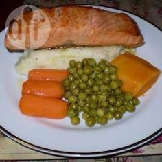 Salmon with Mashed Potatoes and Garlic Lemon Butter Sauce @ allrecipes.com.au