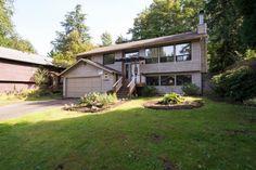 10030 Ravenna Ave NE, Seattle, WA 98125 - 5 beds/2.75 baths