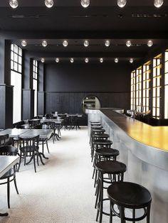 Restaurante em Basel. Arquiteto:  Herzog & de Meuron.