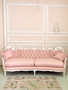 Shabby Vintage French Style Pink Linen Couch. I want a large part of my future house to look like this!