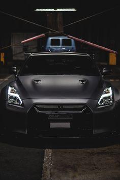 You will ❤ MACHINE Shop Café... ❤ Best of Nissan @ MACHINE ❤ (Black Nissan Skyline GT-R R35)