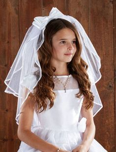 Satin Bow HeadBand w/Pearls First Communion Veil First Communion Veils, Girls Communion Dresses, Communion Gifts, Headband Veil, Communion Hairstyles, Chapel Veil, Veil Hairstyles, Little Girl Hairstyles, Satin Bows