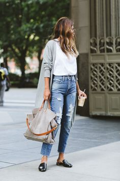 how to wear slides with jeans, high-waist jeans for petite girls via everyday pursuits