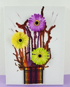 Spring canvas art from crayons 🌻 For more inspiration see video  Full video: https://www.youtube.com/edit?o=U&video_id=ts6wr3u2VQE  #craft #diy #nikolalexandra #flower #crayon #canvas #beautiful #youtube