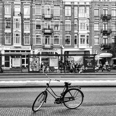 #lackoj #typicaldutch #bycicle #alone #blackandwhitephotography #streetphoto #amsterdam #dutch
