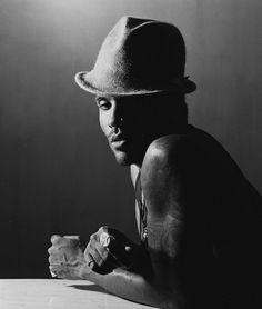Lenny Kravitz, New Orleans 2004, by Herman Leonard. °