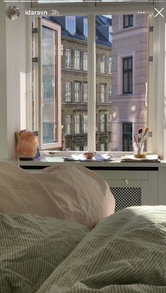 "a on Twitter: ""friday —… "" Dream Rooms, Dream Bedroom, Room Ideas Bedroom, Bedroom Decor, Dream Apartment, Aesthetic Room Decor, My New Room, Room Inspiration, Interior Design"