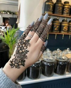 Mehndi henna designs are always searchable by Pakistani women and girls. Women, girls and also kids apply henna on their hands, feet and also on neck to look more gorgeous and traditional. Henna Hand Designs, Dulhan Mehndi Designs, Mehndi Designs For Girls, Modern Mehndi Designs, Mehndi Design Pictures, Mehndi Designs For Fingers, Beautiful Henna Designs, Latest Mehndi Designs, Henna Tattoo Designs