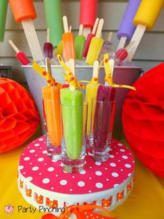 Cute Popsicle Shooters For A popsicle Party! Popsicle Party, Popsicle Crafts, 4th Birthday Parties, Birthday Fun, Birthday Ideas, Summer Treats, Kids Events, Summer Parties, Cute Food