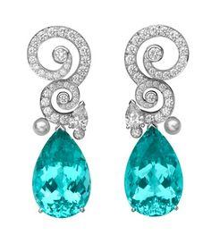 Van Cleef & Arpels. Wonder if those gemstones are tourmalines?
