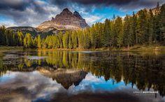 Lago Antorno - Lien HD : http://www.abertrande.com/portfolio/italie/  Reflet des Trois Cimes dans le lac d'Antorno