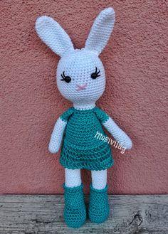 Ingyenes magyar nyelvű leírással Hello Kitty, Christmas Ornaments, Holiday Decor, Blog, Character, Art, Amigurumi, Craft Art, Christmas Jewelry