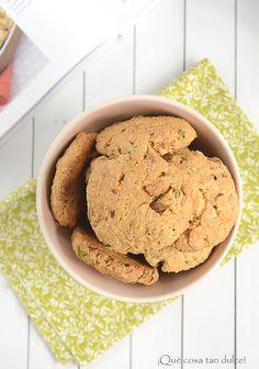 Cookies de chocolate blanco, pistachos y nueces