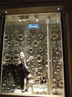 Fenwicks, London, Dezember 2012 - Visual Merchandising World