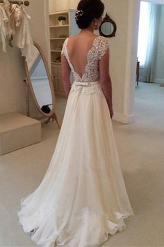 Wedding Dresses Ball Gown, Wedding Dresses Backless, Wedding Dresses 2018, A-Line Wedding Dresses, Custom Made Wedding Dresses #CustomMadeWeddingDresses #ALineWeddingDresses #WeddingDresses2018 #WeddingDressesBallGown #WeddingDressesBackless Wedding Dresses 2018