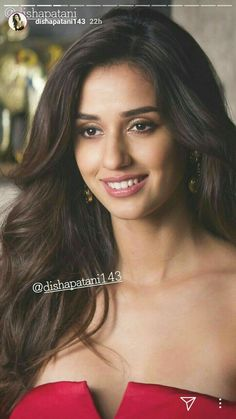Disha patani red hot dress beautiful smile Beautiful Indian Actress, Beautiful Actresses, Bollywood Celebrities, Bollywood Actress, Disha Patni, Beauty Killer, Katrina Kaif Photo, India Beauty, Woman Crush