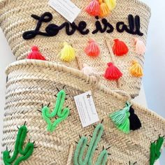Shop Panier de plage Cactus from ETOILE DOUZE in Handbag accessories, available on Tictail from in Anses courtes corde, Anses courtes cuir, Anses longues corde Crochet Quilt, Crochet Bags, Woven Beach Bags, Diy Clutch, Boho Bags, Basket Bag, Summer Bags, Handmade Bags, Bag Accessories