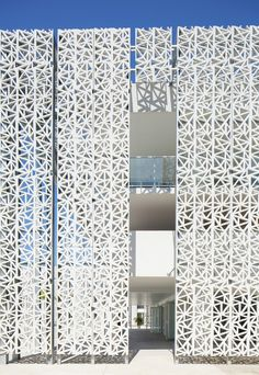 Image 5 of 21 from gallery of Nakâra Residential Hotel / Jacques Ferrier Architecture. Photograph by Mathieu Ducros Parametrisches Design, Facade Design, Exterior Design, House Design, Building Skin, Building Facade, Islamic Architecture, Facade Architecture, Architecture Diagrams