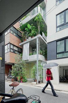 狭小住宅, Narrow homes.