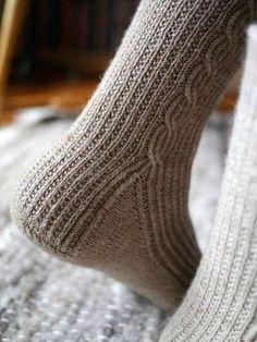 Waffle Creams Knitting pattern by Anne Hanson - Knitting Patterns Love Knitting, Knitting Socks, Hand Knitting, Knit Socks, Fall Knitting Patterns, Debbie Macomber, Crochet Fall, Knit Crochet, Anne Hanson