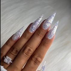 An insane nail look for Christmass by @hodanails Glitter Nail Art, Gel Nail Art, Acrylic Nails, Gel Nails, Formal Makeup, Finger, Pretty, Beauty, Finger Nails
