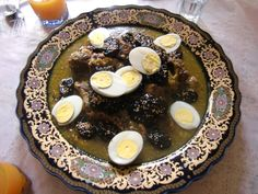 Beef with onions, eggs and grits (Moroccan food)