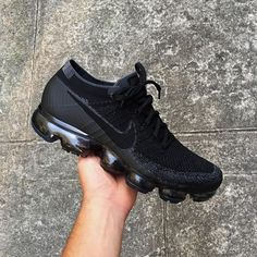 sneakers you can actually buy in 2019 - Aflamico Cute Sneakers, Best Sneakers, Sneakers Fashion, Shoes Sneakers, All Black Sneakers, Shoes Men, Black Nike Shoes, Nike Air Shoes, Nike Shoes Outlet