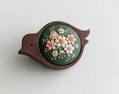 Birdie. Sweet handmade polymer clay brooch in wooden frame.