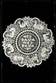 Halasi csipke | Képeslapok | Hungaricana Needle Lace, Bobbin Lace, Antique Lace, Vintage Lace, Vbs Crafts, Textile Texture, Linens And Lace, Romantic Lace, Lace Embroidery