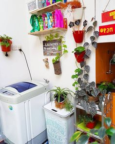 23 Tiny Laundry Room With Nature Touches Outdoor Laundry Rooms, Tiny Laundry Rooms, Laundry Room Design, Diy Kitchen Decor, Diy Home Decor, Home Design, Design Ideas, Diy Design, Vintage Space